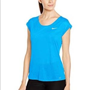 • {Nike} Women's Dri Fit Running Top •